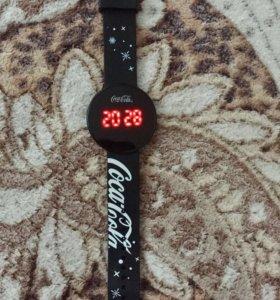 Часы электронные. Coca cola