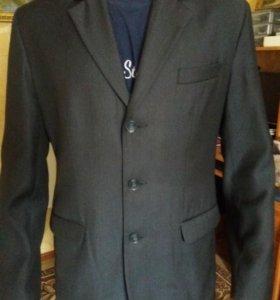Пиджак размер 46-48 серого цвета