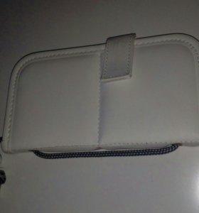 Чехол-подставка для хранения кисточек для макияжа.