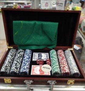 Покерный набор в деревянном кейсе