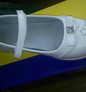 Туфли на девочку 32р