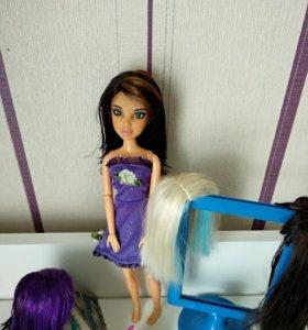 Кукла с париками