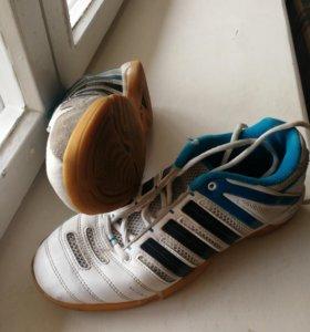 кроссовки для занятий теннисом