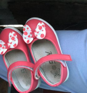 Туфельки на девочку 1,5-2 года