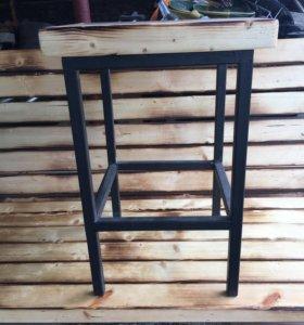 Стол- трансформер (ручная работа) + две табуретки