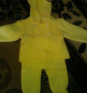 Продам 2 костюмчика
