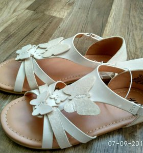 Новые сандалии H&M