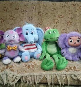 Мягкие игрушки -много