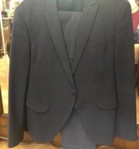 Продаётся мужской костюм, размер 50-52