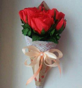 Кулёчки из роз с конфетами на заказ