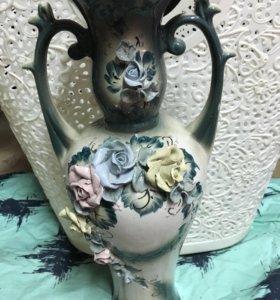 Продаётся новая ваза в отличном состоянии.