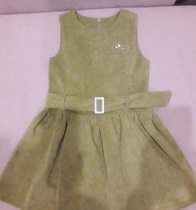 Вильветовое платье табачного цвета на 6-7 лет