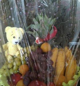 Корзины,букеты из фруктов.