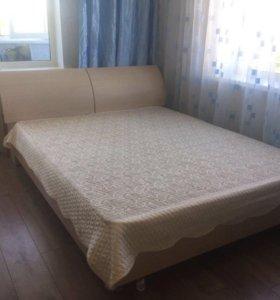Кровать с тумбами и матрас