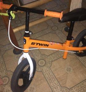 Беговел B-TWIN RunRide 50