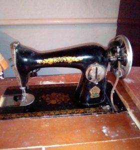 Машинка швейная класса 1м ножного привода