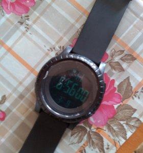 Часы водонепроницаемые.