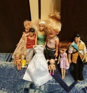 Куклы и ещё игрушки