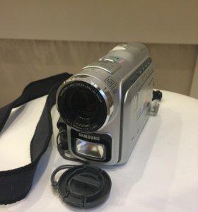 Цифровая видеокамера Samsung VP-103i