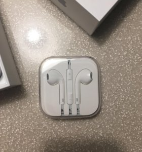 Новые наушники Apple AirPods