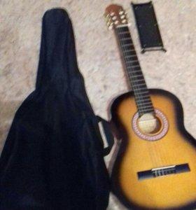 Гитара, чехол с разделом для нот и подставка