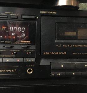 Двухкассетная дека PIONEER и 300 кассет.