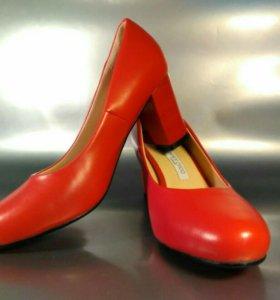 Туфли женские классические.