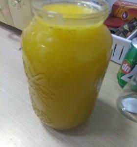Продам мед 1.5 л