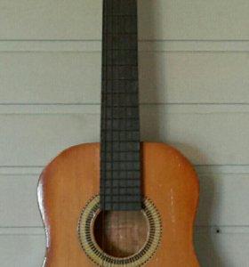 Гитара акустическая детская.