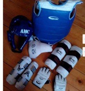 Спортивное снаряжение (защита) для тхэквондо