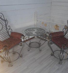 Стол, кресла и диван