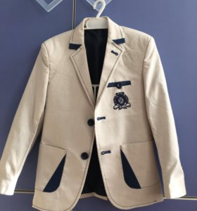 Пиджак на мальчика лет 6-7