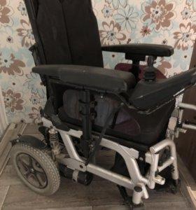 Инвалидная коляска с электроприводом