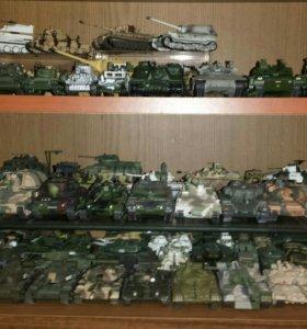 Большая коллекция бронетехники.