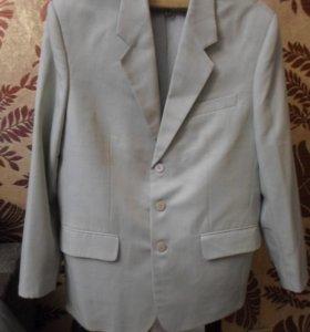 пиджак светло -серый 48р.