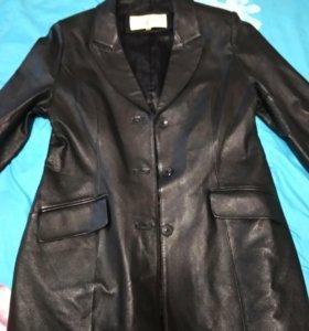 Женский кожаный пиджак