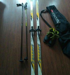Лыжи, лыжные палки, лыжные ботинки и чехол