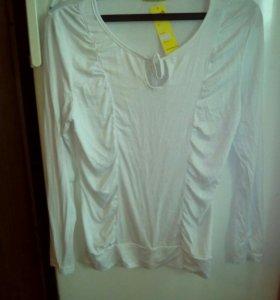 Блузки белая и красная
