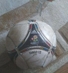 Мяч EURO2012