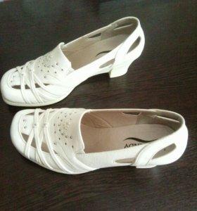 Туфли женские.,37-38р.