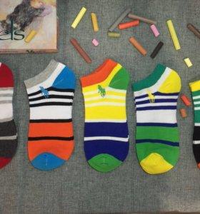 Стильные брендовые носки.