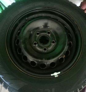 Зимние шины Pirelli Formula Ice на дисках Trebl