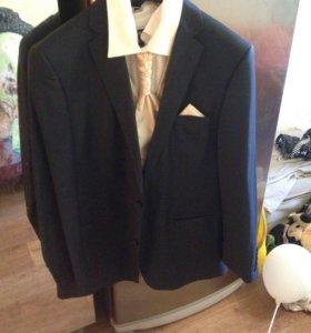 Пиджак фирменный темно синего цвета