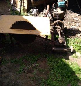 Двигатель старого оброзца заводится и работает