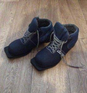 Лыжные ботинки, размер 39