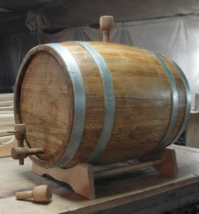 Бочка дубовая под самогон, коньяк, виски