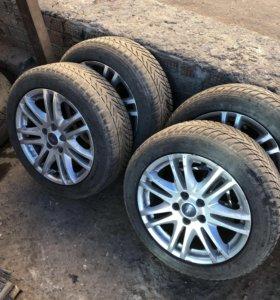 Комплект колес от форд фокус с зимней резиной