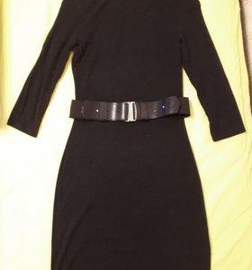 Платье трикотажное с поясом