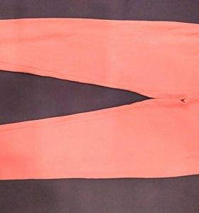2 пары новых брюк по 400р.