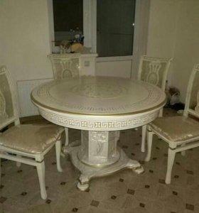 столы кухонные.гостиные столы